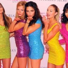 цветове в дрехите, рокли